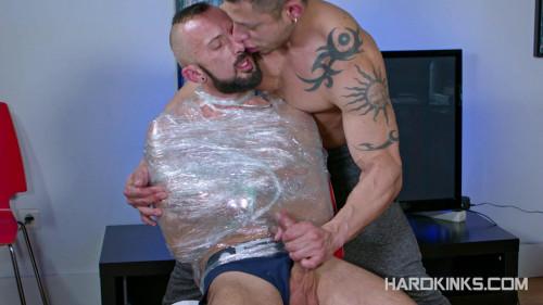HK – Dominique Kenique & Julio Rey – Wrapped Gay BDSM