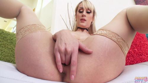 Hot Blonde Maxim Law Masturbation