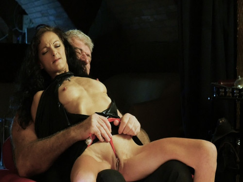 Graias - Gigi Return Pt. 1 And 2 BDSM