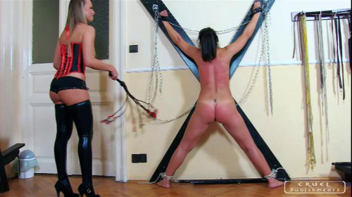 Cruel Punishments - Whipping The Slavegirl