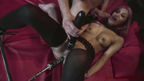 Roxy Lips - DOMINANCE AND SUBMISSION Dungeon