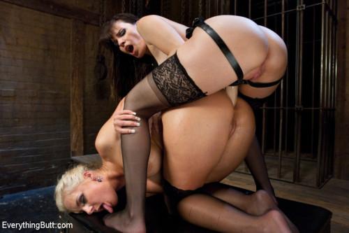 Kinky Butt Sluts: Phoenix Marie and Dana DeArmond