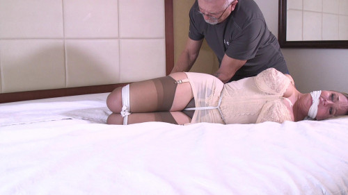 Dee Williams-Can I get you to tie rope up my Pussy