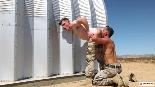 Isaac Parker & Jay Tee – Sgt Dick