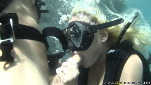 Girl Learn To Dive Under The Water Unusual Sex
