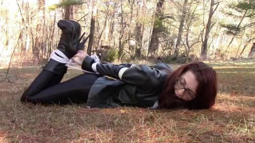 Nichole Skye - Disco Jeans Bondage In The Grass