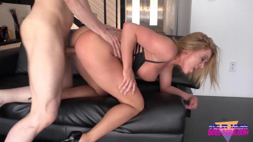 Krissy Lynn - Big Titty Bombshell FullHD 1080p MILF Sex