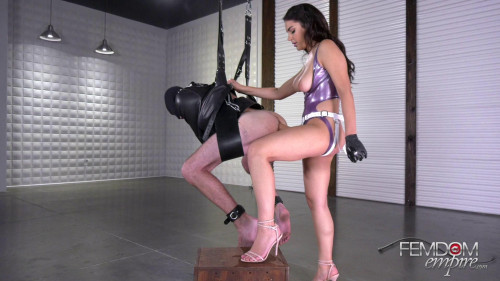 Beauty Valentina Nappi Destroyed Tight Slave Femdom and Strapon