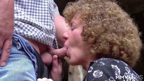 Laid Amongst The Hay - December, 28th 2015 MILF Sex