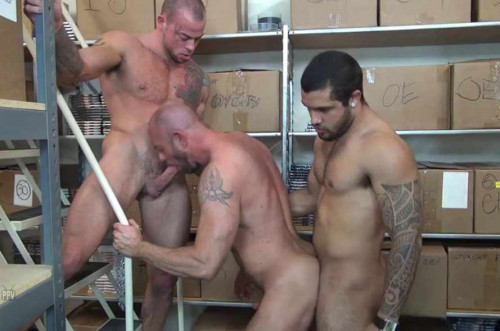 Threesome Group Fuck With Muscle Men