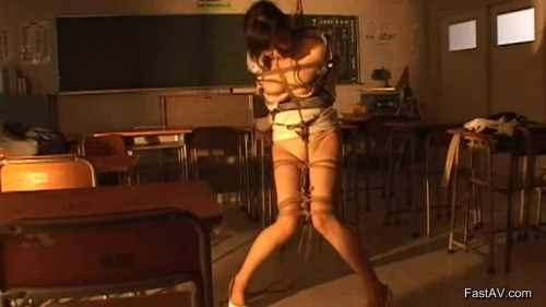 Rope Cut Into The Thread Of Woman Asians BDSM