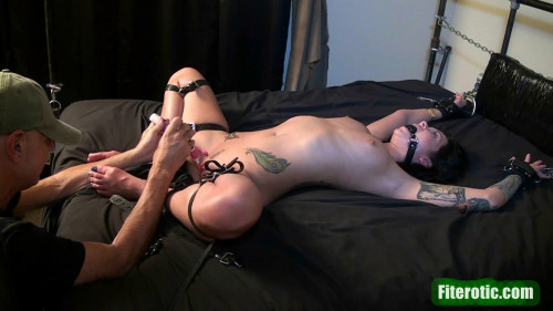 Belt tying on couch