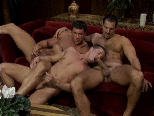 Entourage Episode I - Arpad Miklos, Barrett Long, Mario Ortiz