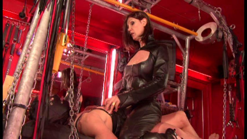 Latex Rubber - Visits Reduction - Domination HD BDSM Latex