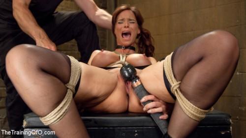 Anal MILF Syren de Mer Earns Her Final Marks BDSM