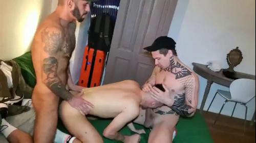 Sexy 3some David Luca, Robert Royal & Romeo Davis 480p