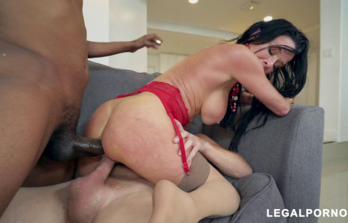 Hot Milf Veronica Avluv Enjoys Interracial Fuck With Double Fuck