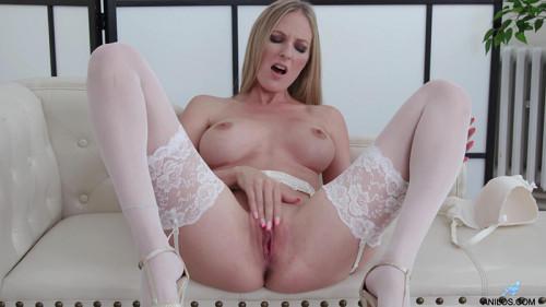Cam Angel Busty Blonde