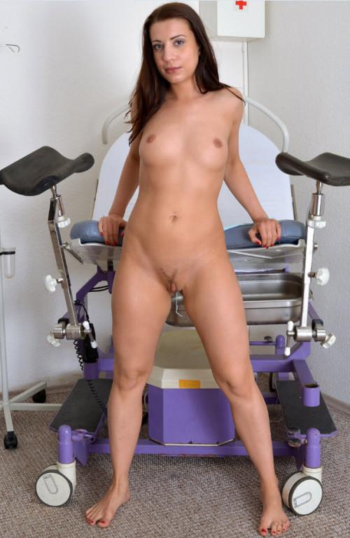 Terezza Bizzare (24 years girl gyno exam)