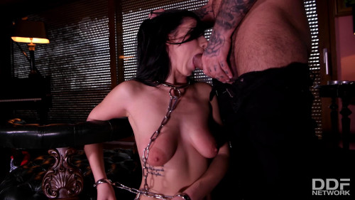 Nelly Kent - Submissive in Chains BDSM