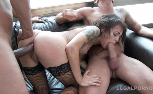 Petite Babe Holly Hendrix Destroyed By Massive Cocks With Double Anal
