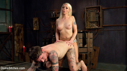Masculinity-Training with Mistress Lorelei Lee Femdom and Strapon