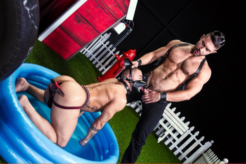 Hot House - Skuff- pooch House - Beaux Banks, Seth Santoro Gay BDSM