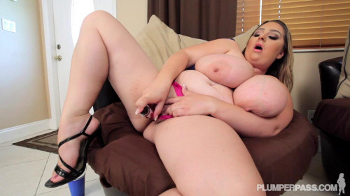 April McKenzie - After Party Dildo Stuffing BBW