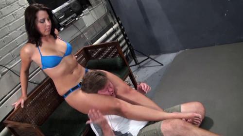 HD Femdom Sex Videos Lee Ashley's Savage Scissors Femdom and Strapon
