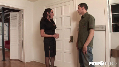 Mia Isabela - I'll show me the house... Transsexual