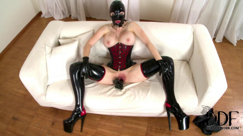 Latex Lucy – Latex Lady of Mystery! – July 24, 2012