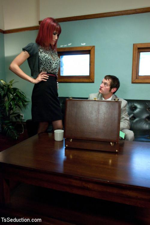 Mad Women: Never Piss off The Secretary