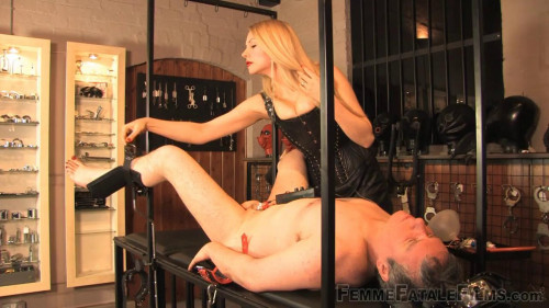 Mistress Eleise De Lacy - Racked For Mercy