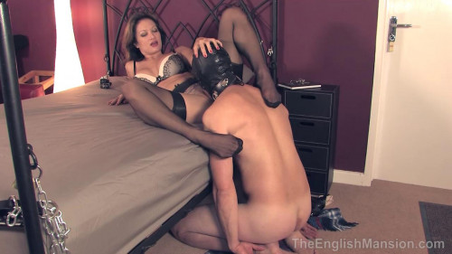 The English Mansion - Chained Bed Pussy Service - Domination HD