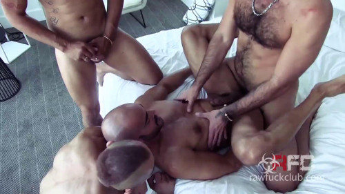 Load Hoarding Gay Clips