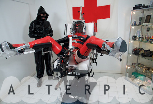Alterpic - Boomer sesion 2 BDSM Latex