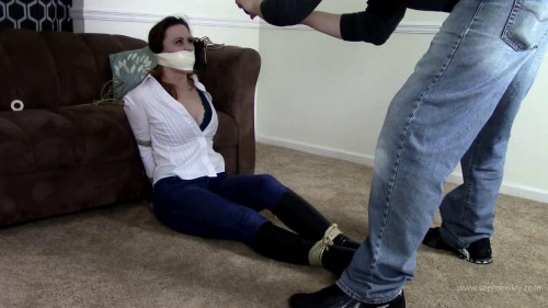 Serene Isley - Bitch Gets Whats Coming To Her