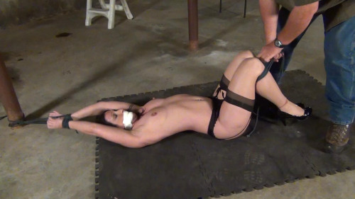 Wenona: Stretched out