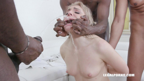 Caty Kiss Pissing and Kinky Anal