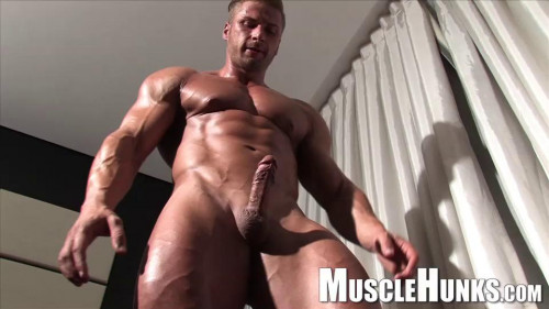 Kane Griffin - Impressive Golden-haired Muscle