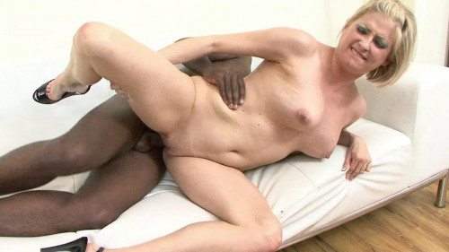 Black dong for naked blondie