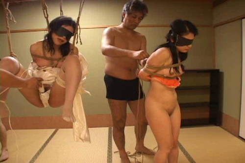Two slave girl Asians BDSM