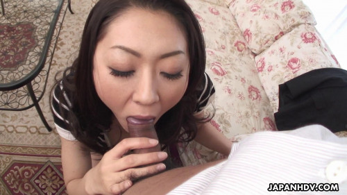 Cheating wife ruri hayami sucks a large cock with excitement