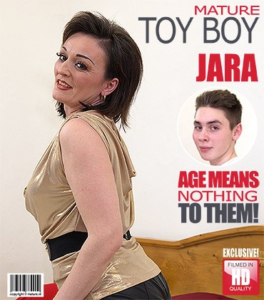 Jara C - horny housewife doing her toyboy FullHD 1080p Mature, MILF