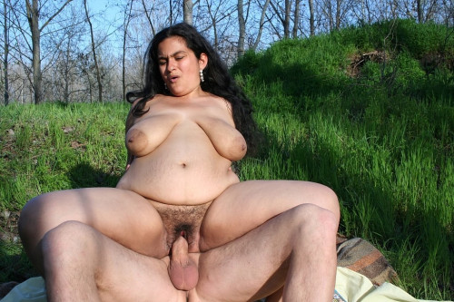 BBW hairy gypsy Goddess: casting in the park Mature, MILF