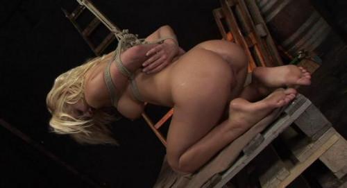 Pretty girl loves bondage