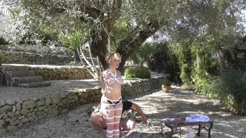 Super Sexy Flexibel Zonah Bellum - HD 720p BDSM