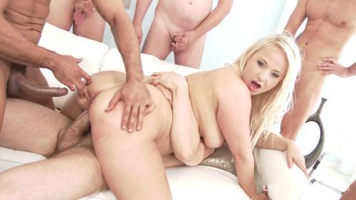 Big butt slut likes double fuck gangbang Orgies