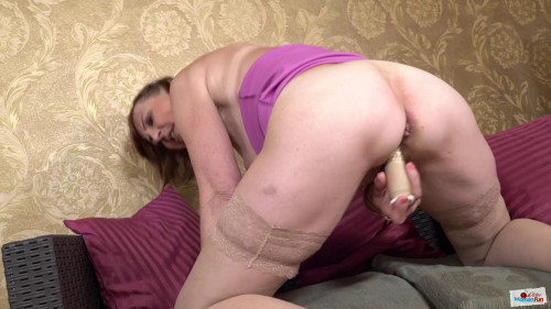 Big ass milf in pink dress dani masturbates