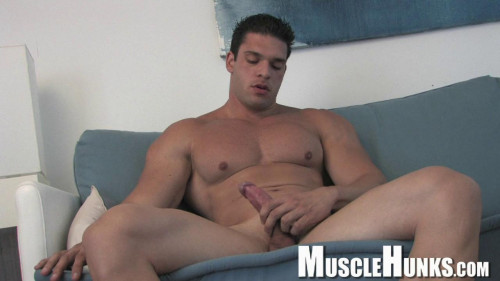 MuscleHunks - Helmut Mueller - Buff College Jock